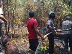 Kapolsek Belitang Pimpin Pemadaman Kebakaran Lahan
