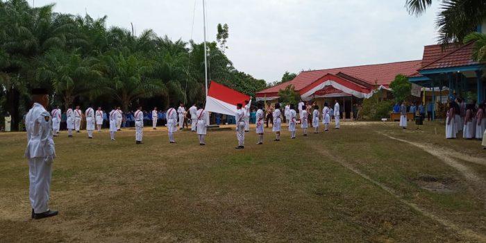 Upacara HUT Kemerdekaan RI ke 74 di Kecamatan Belitang