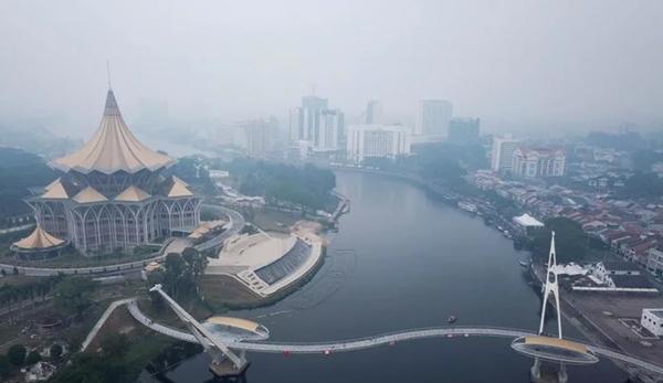 Malaysia mengirim setengah juta masker ke negara yang dilanda kabut asap kiriman dari indonesia