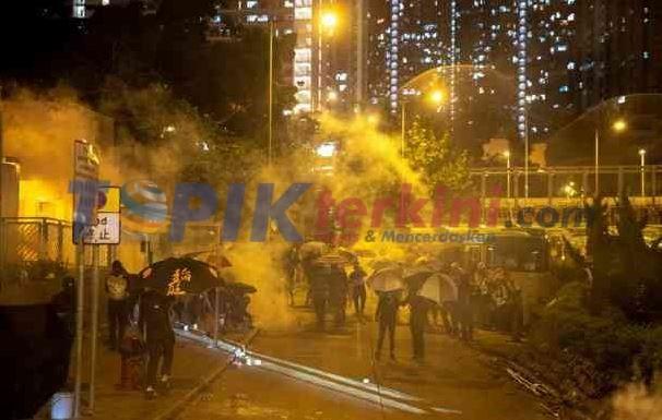 Metro Hong Kong tutup setelah malam aksi Anarkis