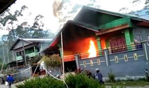 Diduga Kasus Siri', Rumah Mewah di Sinjai Barat dibakar