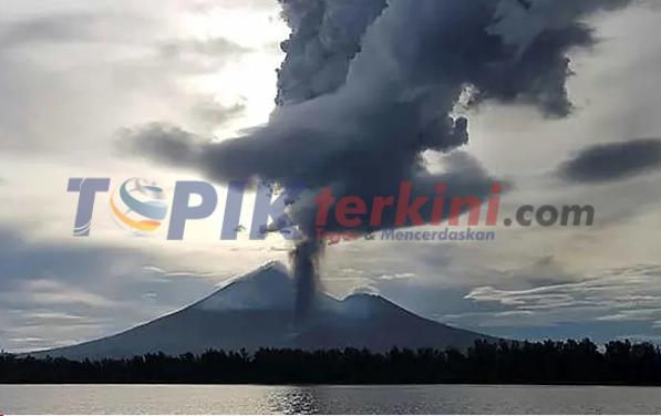 Warga Mengungsi setelah Gunung Merapi Papua Nugini meletus