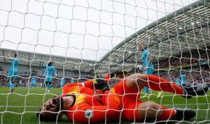 Siku Terkilir, Penjaga gawang Tottenham Hotspur Hugo Lloris menjalani Operasi