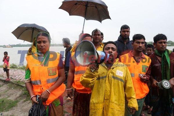 Bangladesh Evakuasi 100.000 Orang saat Topan Bulbul mendekat