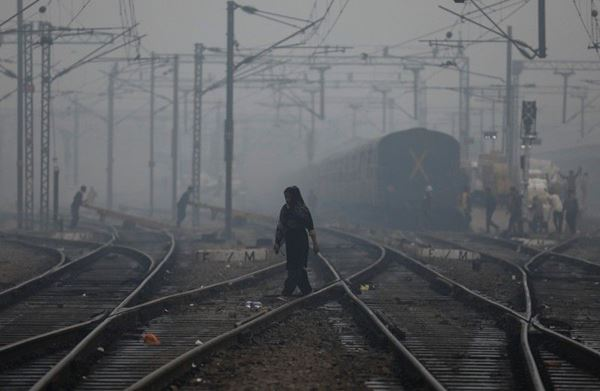 Sekolah-sekolah di Delhi akan dibuka kembali minggu depan, orang tua waspada terhadap udara berbahaya