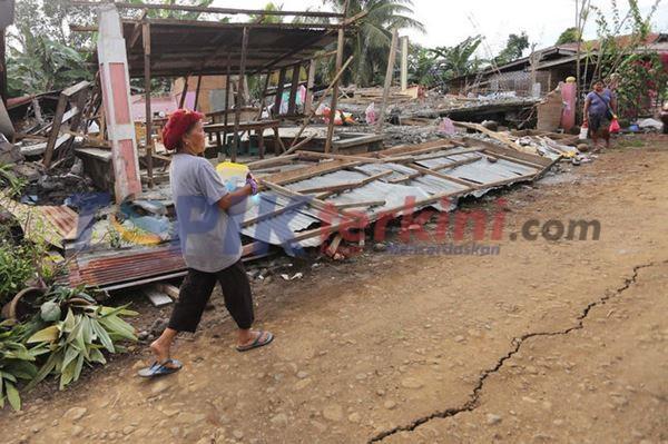 Gempa Berkekuatan 6,5 Mengguncang Filipina selatan
