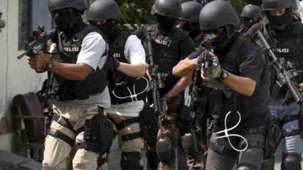 2 Tersangka yang diduga Ada Kaitannya dengan BOM bunuh diri Tewas saat di Gerebek