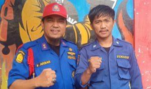 Aksi Heroik Personil Damkar Bone Saat Lakukan Penyelamatan Korban Kebakaran
