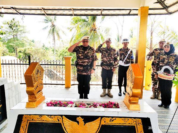 Peringati HUT Ke-41, PD VIII KB FKPPI Lampung Ziarah Ke Makam Pahlawan Nasional Radin Inten II