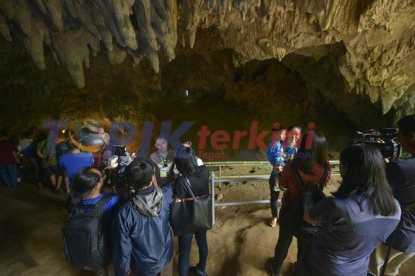 Thailand membuka kembali gua tempat tim sepak bola terperangkap selama seminggu lebih