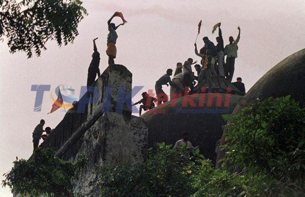Muslim India cemas saat hindu membangun kuil di lokasi masjid yang dihancurkan pada tahun 1992