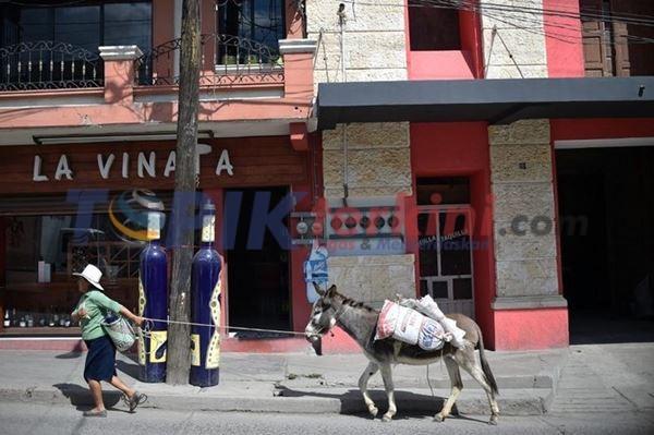 Lima polisi Meksiko tewas dalam serangan