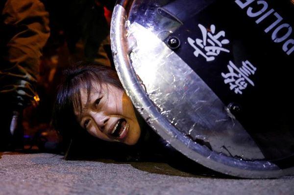 Bentrokaan Demonstran dan Polisi di Hongkong Kembali Terjadi