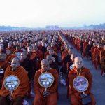 30.000 Biksu menghadiri pemberian sedekah massal di Myanmar