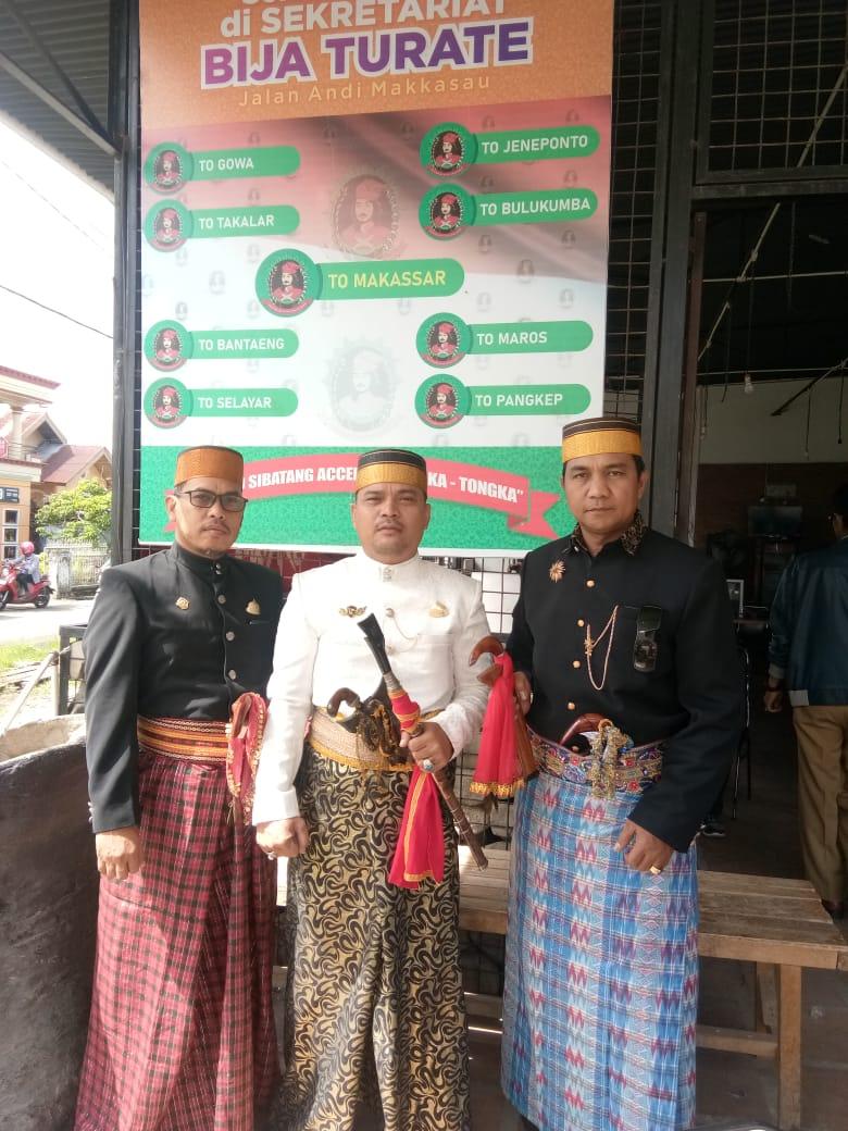 """Lembaga Seni, Adat dan Budaya """"PAREWA BESSI"""" Turut Hadiri Festival Maradika di Mamuju"""