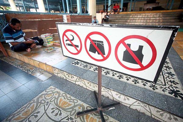 Merokok ditempat Umum Akan di denda 50 Ribu atau dipenjara 3 hari, Mulai Berlaku di Medan