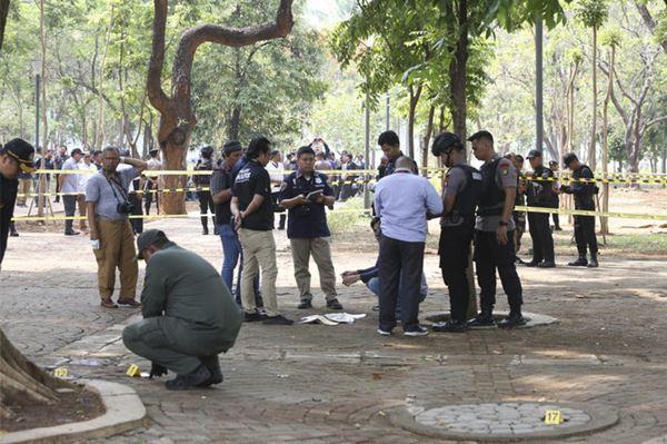 1 Hari pasca Reuni 212, Geranat Asap Meledak di taman dekat Istana Kepresidenan dan melukai 2 Tentara