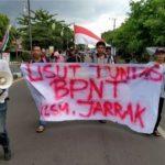 Nilai BPNT Bermasalah, LSM Jarrak Gelar Unras Depan Kantor Bupati Takalar
