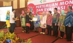 Dinkes Takalar Raih Penghargaan Capaian Tertinggi Penanganan TB Se-Indonesia
