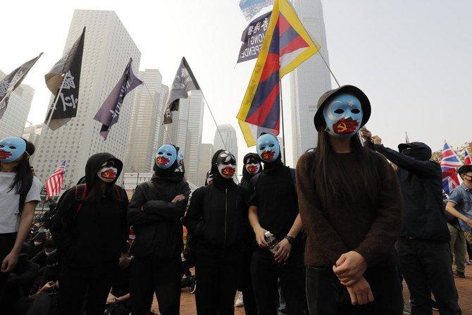 Dukung Muslim Uighur, Demonstran Hong Kong Bentrok dengan Polisi anti huru hara