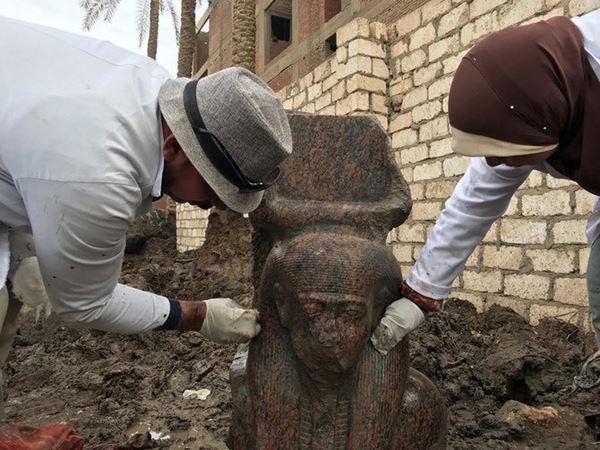 Mesir mengungkap temuan Arkeologis baru yang paling Langka, Patung Raja Firaun yang paling terkenal