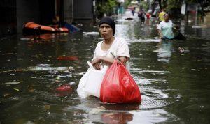Banjir Menewaskan 53 Orang, 2 Pesawat Angkatan Udara Diluncurkan untuk mengalihkan hujan dari Ibu Kota Jakarta
