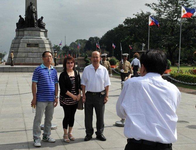Filipina menghentikan visa kedatangan untuk orang Cina karena ketakutan akan virus corona