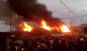 Video Kebakaran di Pasar Sentral Sinjai Hanguskan 10 Unit Kios