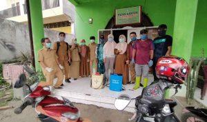 Cegah Penyebaran COVID-19, PKM Barana Semprotkan Desinfektan di Desa Beroanging