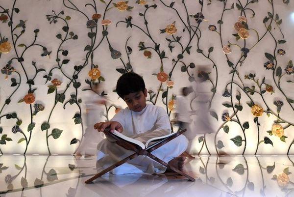 Ramadhan menyatukan umat Islam di seluruh dunia di tengah pemisahan fisik yang disebabkan oleh virus corona