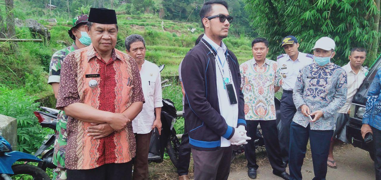 Bupati Sinjai Tinjau Jalan penghubung Sinajai barat dan kabupaten gowa yang sementara ditutup