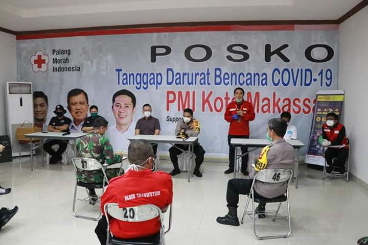 Kapolda bersama PT Bintang Serahkan Bantuat 1000 Alat Rapid Tes Covid 19 ke PMI dan IDI Makassar