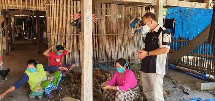 Peduli Warga Pesisir, Dinas Kelautan dan Perikanan Jeneponto Bagi-bagi APD