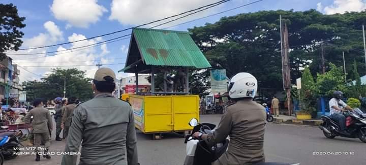 Satpol PP Bone Tertipkan Lapak Dagang Kaki Lima Jelang Ramadhan