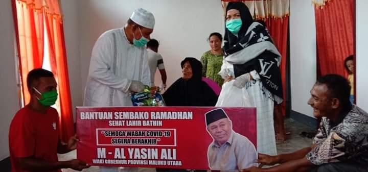 Anggota DPRD Provinsi Malut Salurkan Bantuan Sembako dan APD di RSUD