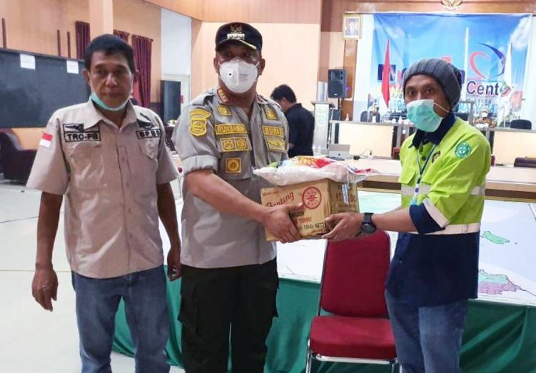 Pademi Covid-19, CV Unaaha Bakti Persada Sultra Salurkan Bantuan Sembako