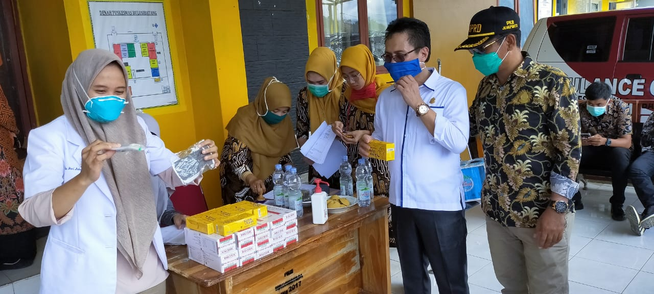 40 Anggota DPRD Jeneponto Kompak Bagikan Masker, PAN Bagikan Obat-obatan