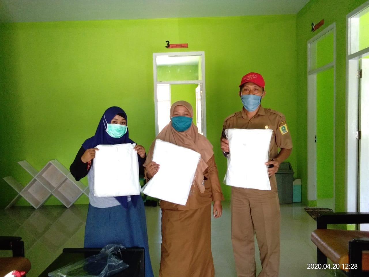 Tebar 1000 Pakaian Medis, Komunitas Sahabat Depok dan BA-Depok Berikan Bantuan ke Sejumlah PKM di Sinjai