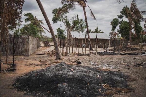 Lima puluh dua penduduk desa dibunuh para ekstremis di Mozambik utara