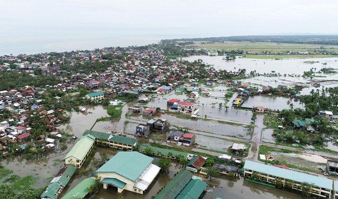 Topan Ambo terus menghantam Filipina meninggalkan jejak kehancuran
