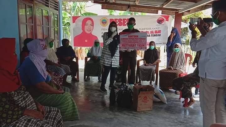 Serap Aspirasi Rakyat, Anggota DPRD Halteng Hj Mutiara T Yasin Gelar Reses Dan Bagikan Sembako