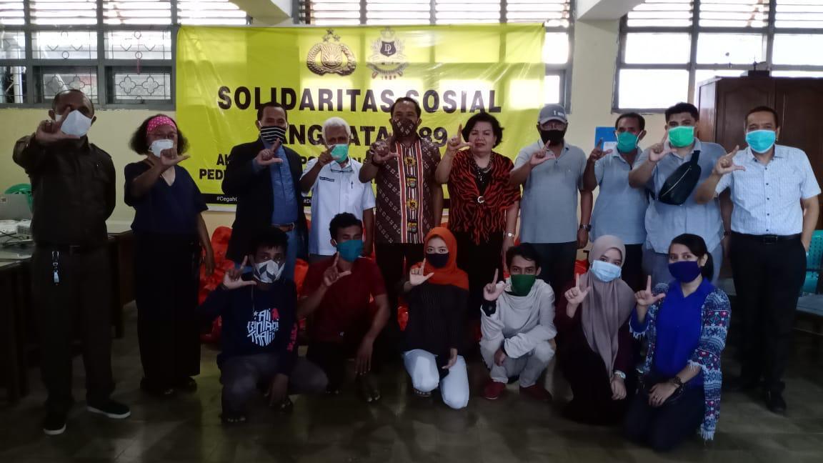 Diakhir Jabatan sebagai Irwasda Polda Sulsel, Kombes Pol Robert Haryanto Watratan Serahkan 1000 Paket Sembako