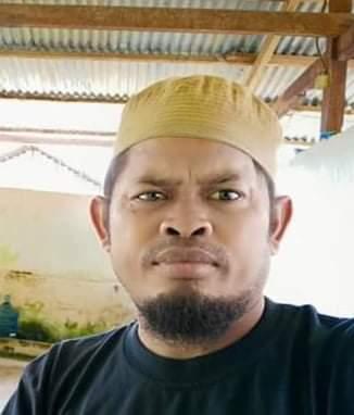 Alumni SMA Pulau Gebe Angkatan 2003 Salurkan Sembako dan Masker