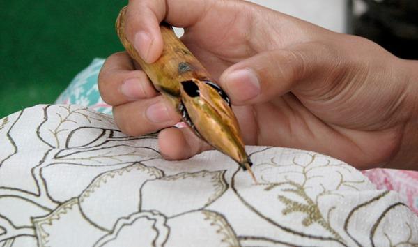 Perampasan Budaya, Cina mengklaim Batik sebagai bentuk kerajinan tradisional Tiongkok membuat Netizen marah