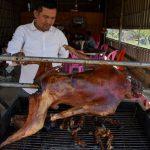'Ini dosa': Perdagangan daging Anjing brutal dan bayangan Kamboja