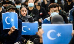 China mengatakan AS dalam pertikaian baru tentang penumpasan Muslim Uighur