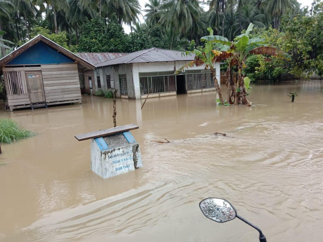 Dikepung Banjir, Ratusan Rumah di Banggai Terendam