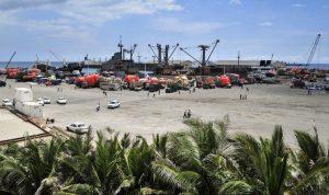 Bom mobil bunuh diri mengenai pos pemeriksaan di pelabuhan Mogadishu Somalia