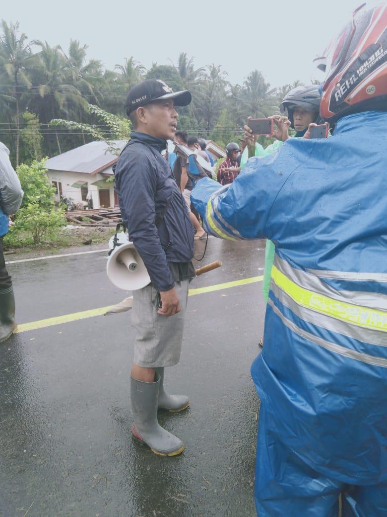 Diterjang Banjir, Jembatan Kasio Sulut Terputus dan 16 Rumah Terendam