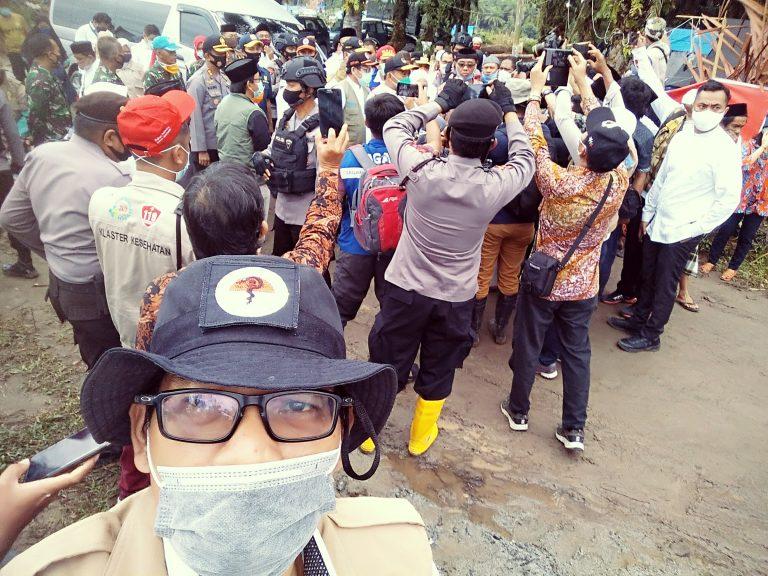 Suasana Haru dan Duka Warnai Shalat Idul Adha di Camp Pengungsian Banjir Masamba